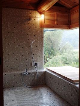 モザイク タイル 風呂